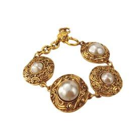 Chanel-Bracelet chaîne avec breloques COCO CHANEL-Doré