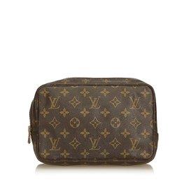 8598ee1588 Louis Vuitton-Monogram Toiletry Bag 23-Brown ...