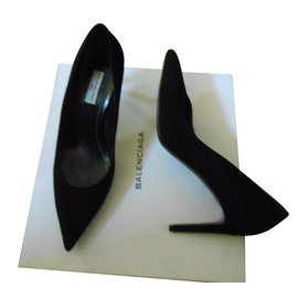 Balenciaga-wauro 1000-Black