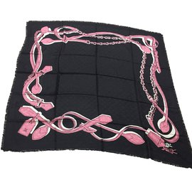 Louis Vuitton-monogram black stole-Noir