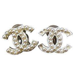 Chanel-Boucles d'oreilles-Blanc cassé