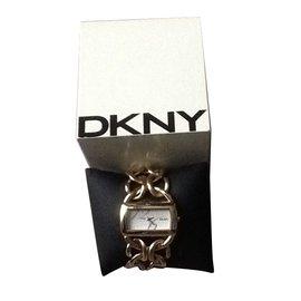 Dkny-Modèle NY4366-Doré