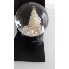 Chanel-Snow Ball-Black