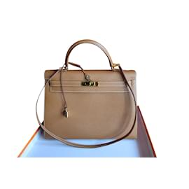 Hermès-Kelly Bag Gilled Veau Courchevel-Light brown