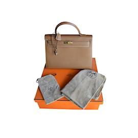 Hermès-Sac Kelly Veau Grainé Courchevel-Marron clair