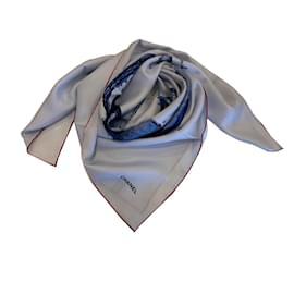 Chanel-Foulard  soie-Bleu clair