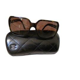 Chanel-vintage-Marron