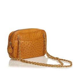 Chanel-Sac à bandoulière en cuir d'autruche-Marron,Doré