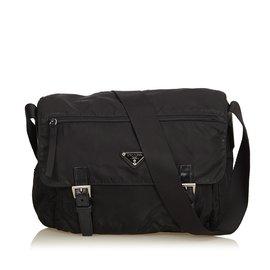 Prada-Nylon Messenger Bag-Noir