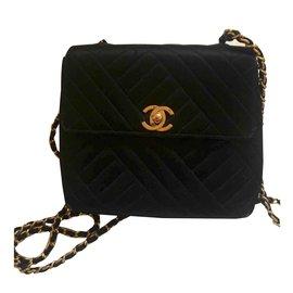 Chanel-Sac vintage Timeless en soie-Noir