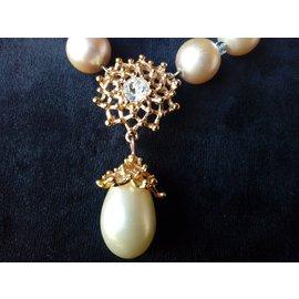 Yves Saint Laurent-Collier de perles avec pendant-Doré,Blanc cassé