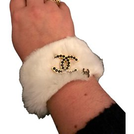 Chanel-Bracelet fourrure-Blanc