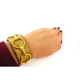 ... Hermès-Hermès Beige genuine ostrich leather bracelet cuff-Beige 08e076e937a