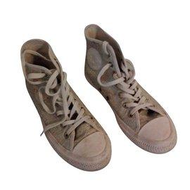 d1a388c6c1cae Baskets Converse occasion - Joli Closet