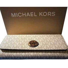 8b44c2d45a50 Second hand Michael Kors Wallets - Joli Closet