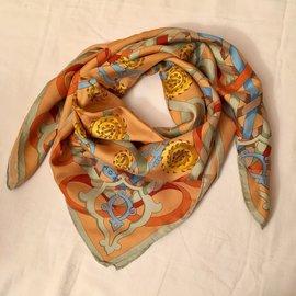 Balenciaga-ribbons. Value of EUR 275-Multiple colors