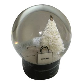 Chanel-Snow Ball-Black
