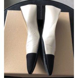Chanel-Chanel Black and White flats EU 36.5-Black,White