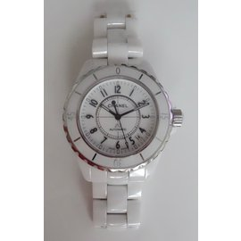 Chanel-WATCH J12 CHANEL AUTOMATIC 38MM-White
