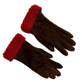 Hermès-Shearling gloves.-Brown