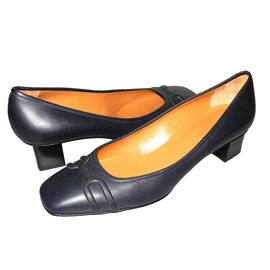 Hermès-leather pumps midnight blue new condition dustbags-Navy blue