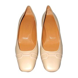 Hermès-beige leather pumps new condition dustbags-Beige