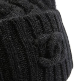 Chanel-Chanel cashmere beanie-Black