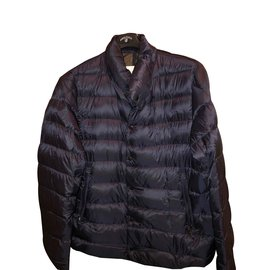 9795ca9278e9 Second hand Moncler Men s clothing - Joli Closet