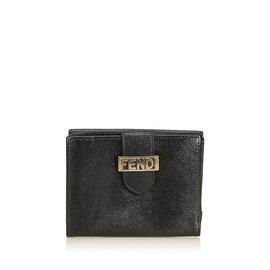 Fendi-Portefeuille court en cuir gaufré-Noir