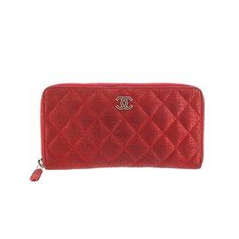 Chanel-Portefeuille zippé en toile matelassée métallique-Rouge