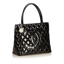Chanel-cabas en cuir verni-Noir