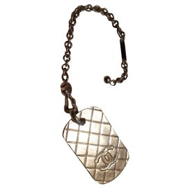 Chanel-plaque-Argenté