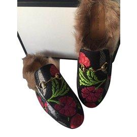 Gucci-Pantoufles Gucci-Noir