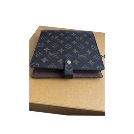 Louis Vuitton-Scrapbook-Marron
