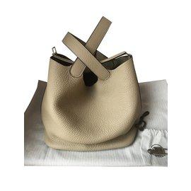 Hermès-Sac Hermès Picotin Lock 22 couleur Trench-Beige