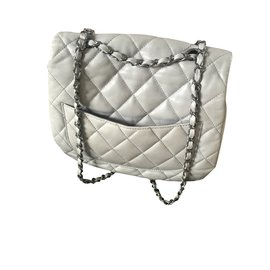 Chanel-Chanel-Gris