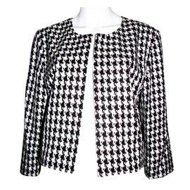 Luxe Karl Occasion Lagerfeld Closet Joli Vetements T48wnFq6q
