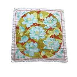 Hermès-Fleurs de lotus-Beige