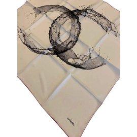 Chanel-FOAULARD CHANEL SOIE-Blanc cassé