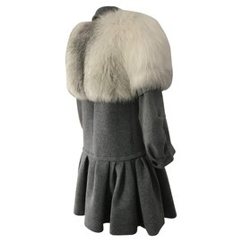 Louis Vuitton-manteau en laine avec capelet en fourrure de renard blanc-Gris