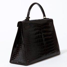 Hermès-Rare Hermès Kelly 32 en crocodile couleur cacaon, accastillage plaqué or,  en superbe état !-Marron