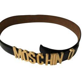 Moschino-Classique-Noir
