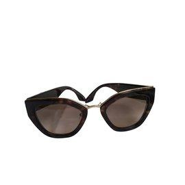 Prada-Des lunettes de soleil-Marron foncé