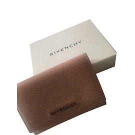 Givenchy-portefeuilles-Rose