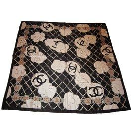 Chanel-Châle en soie-Noir