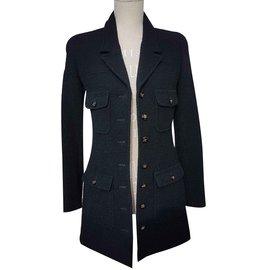 Chanel-Veste intemporelle-Noir