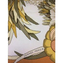 Hermès-Carré HERMES Tahiti-Beige,Crème,Caramel