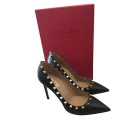 Chaussures luxe Valentino Garavani occasion - Joli Closet c18d8f198363