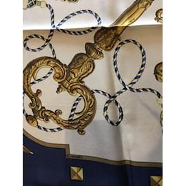 Hermès-Carré-Bleu,Beige,Jaune
