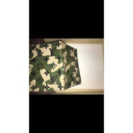 Louis Vuitton-Monogramouflage passport holder-Green